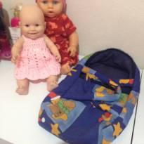 Kit 2 bonecas e 1 bercinho