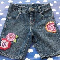 Bermuda Jeans importada bordada pouquíssimo usada com ajustador na cintura Tam 4 - 4 anos - Crazy 8