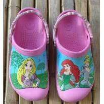 Crocs princesas Original com algumas marquinhas de uso Tam 28/29 (12/13) - 28 - Crocs
