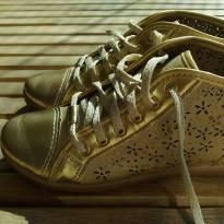 Tenis KLIN maravilhoso dourado Tam 31 super confortável e cheiroso - 31 - Klin