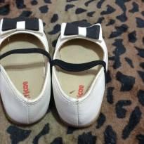 Sapato Boneca com laço, branco e preto. - 23 - Tricae