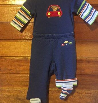 Conjunto body, calça forrada, babador e meia  - Coleção Carrinho e Cachorrinho - 0 a 3 meses - Gymboree