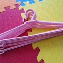 6 cabides cor de rosa - Sem faixa etaria - Não informada
