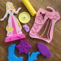 3 Kits - Forminhas Princesa + Forminhas Frozen + Beleza - Brincando de Casinha -  - Não informada