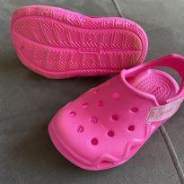 Crocs Fechada linda - 23 - Crocs