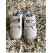 Tênis Nike Branco TAM 6 (número 21) - 21 - Nike