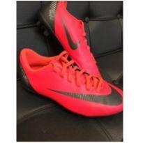 Chuteira de trava - 33 - Nike