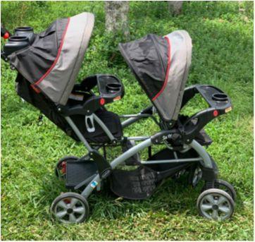 Carrinho Bebê Gêmeos Semi Novo - Sem faixa etaria - Baby Trend