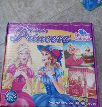 Quebra Cabeças Vida de Princesa 3 em 1 - Sem faixa etaria - Pais e Filhos