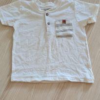 Camiseta off white com bolsinho - 2 anos - Poim