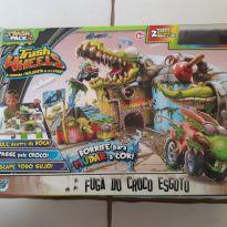 Trash wheels - Fuga do croco esgoto -  - Hasbro