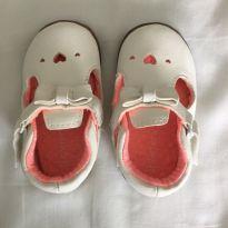 Sapato branco coração - 19 - Carter`s
