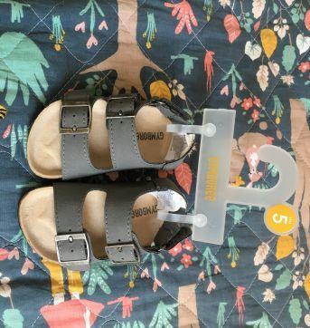 Sandália estilo papete Gymboree - 20 - Gymboree