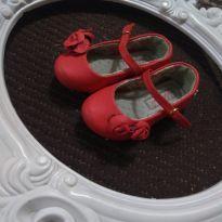 Sapato Marisol coral com flores