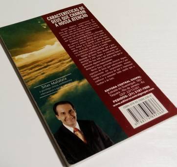 Livro Características de Deus que Chamam a Nossa Atenção - Silas Malafaia - Sem faixa etaria - livro para educar