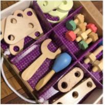 Peças e parafuso - um kit para seu filho soltar a imaginação e criar a vontade -  - Não informada