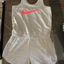 Macaquinho Nike Dri-Fit Cinza claro - 5 anos - Nike