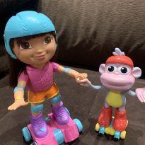 Boneca Dora Aventureira e Botas Patinadores