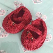 Sapatinho crochê recém nascido vermelho - 13 - sem etiqueta