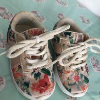Tênis florido perfeito! - 19 - Zara e Zara Baby