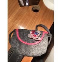 bolsa linha com flor bordada muito estilosa - Sem faixa etaria - Várias