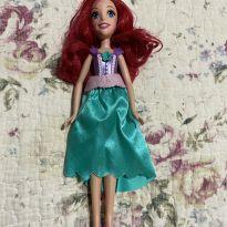 Boneca Ariel Pequena Sereia