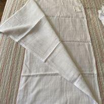 Pano/toalha ideal para enxugar recém nascido -  - Não informada