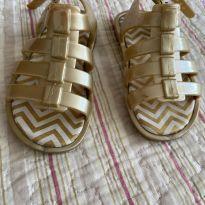 Sandália Pimpolho tamanho 20