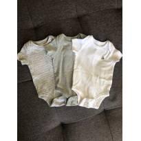 Kit 3 bodys cinza e branco GAP - 0 a 3 meses - GAP