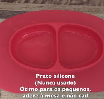 Prato de siliconte - adere na mesa - Sem faixa etaria - Não informada