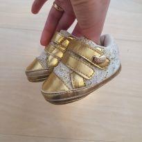 sapatinho klin bebe dourado com renda - 13 - Klin