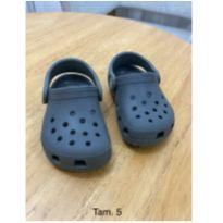 Sandália Crocs Infantil Classic Clog Cinza - 23 - Crocs
