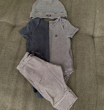Kit 2 Bodies + Calça + Gorro - 3 a 6 meses - Baby Gap