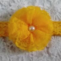Tiara flor amarela - Sem faixa etaria - Artesanal