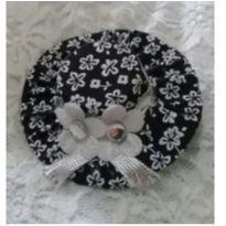 Chapéu floral preto -  - Artesanal