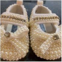 Sapatinho de bebê com pérolas 13 - 01 - Não informada