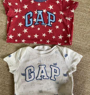 KIT GAP (BODY + ROMPER) - 6 a 9 meses - GAP