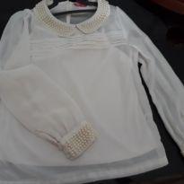 Blusa manga longa  bordada linda - 11 anos - Sem marca