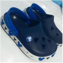 sandália Crocs - 24 - Crocs