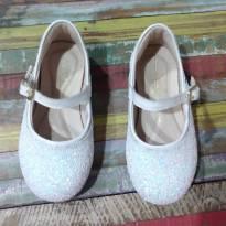 Sapato com apliques de glitter - 25 - Bibi