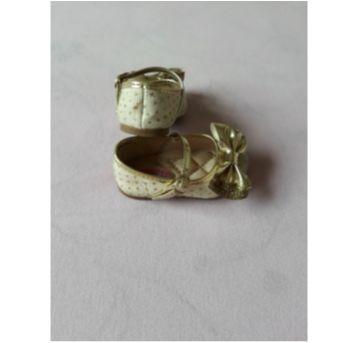 Sapatilha dourada - 17 - Molekinha