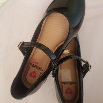 Sapato molekinha número 28