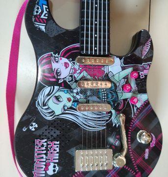 Guitarra Monster High - Sem faixa etaria - Não informada