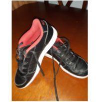 Tênis adidas - 33 - Adidas
