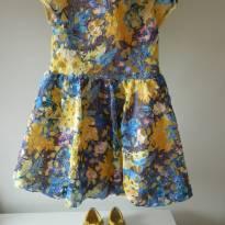Vestido em Renda Floral Amarelo - 6 anos - Um mais um