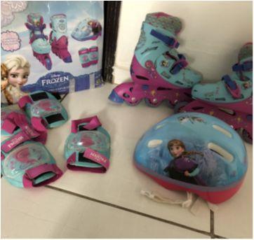 Patins Frozen roda roxa / conjunto esportivo - Sem faixa etaria - Disney