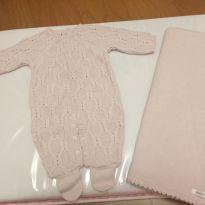 Lindíssimo conjunto saída de maternidade tricô rosa claro tamanho recém nascido - Recém Nascido - Pinni