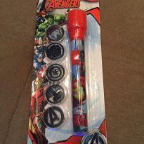 Lanterna brinquedo com projetor de imagens Avengers -  - MARVEL