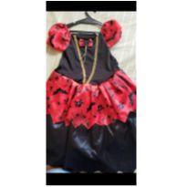 Vestido bruxinha - 4 anos - Não informada