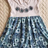 Vestido de flores azuis - 6 anos - Não informada